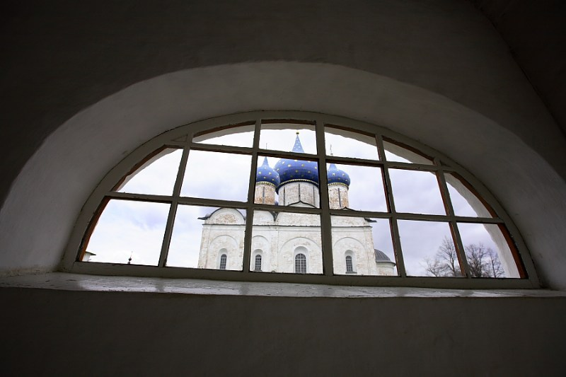 фото альбом Суздаль А из нашего окна, церковь белая видна...