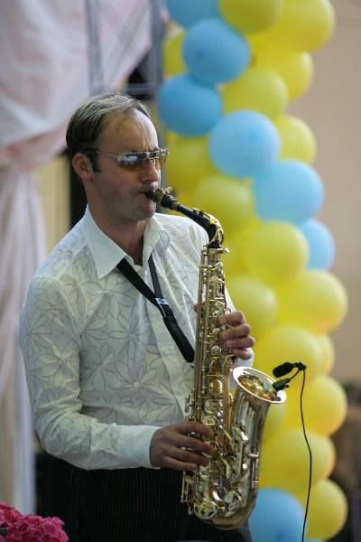 фото альбом Праздники - Наша Работа Саксофонист, работающий с нами, Игорь Рудый