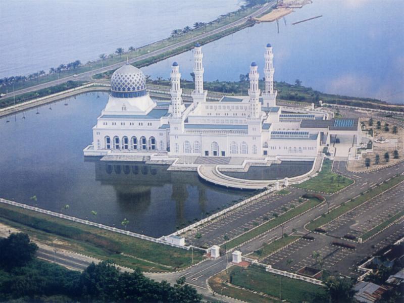 фотографии альбом Mosques - Мечети мира Masjid at Kota Kinabalu