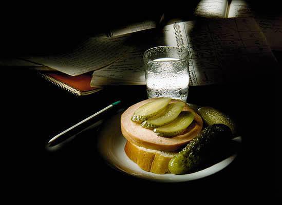 фото альбом Галлерея НАТЮРМОРТОВ Галлерея красочных натюрмортов - водка, огурец, чеснок, селёдка...