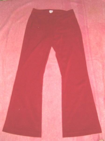 фото альбом Полная распродажа - женская одежда - все по 15грн,кроме пиджака Брюки красные- 30грн. (под замш)