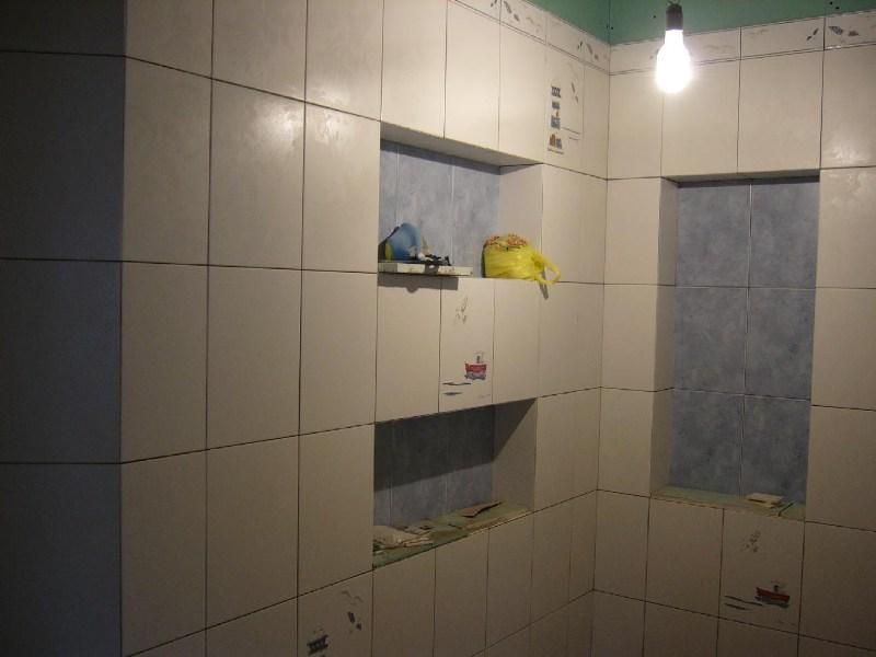 фотографии альбом Работа, работа, работа (80662370764) Ниши уже обложены плиткой