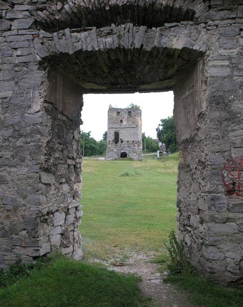 фото альбом Украина - Cкала-Подольская, Тернопольская область Вид на пороховую башню.