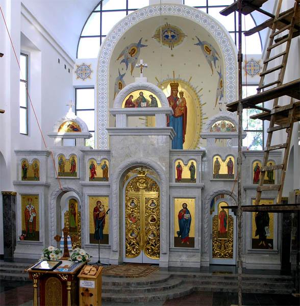 фото альбом Украина - Зарваница, Тернопольская область Иконостас.
