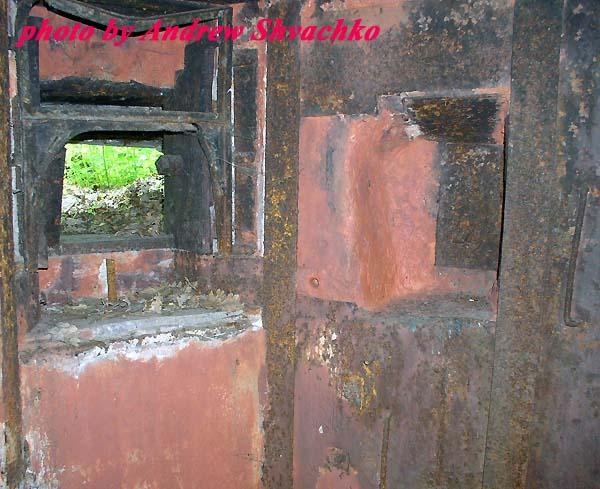 фото альбом Киев - ДОТ № 106, опорный пункт «Мрыги», Южный сектор КиУР ДОТ № 106, амбразурный узел, с хим защитой