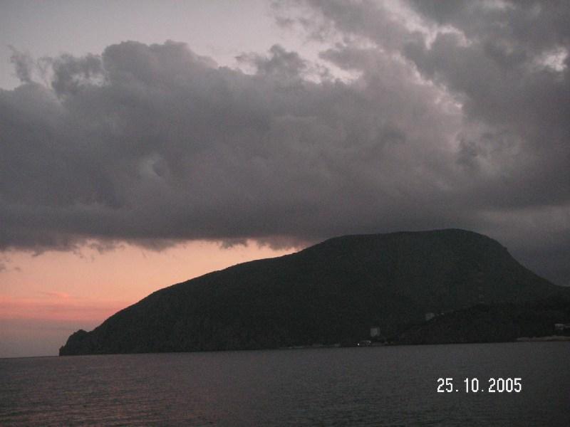 фото альбом Горы, море - Крым Медведь-гора на закате