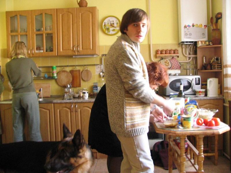фото альбом Праздники - Омельченко 2006 Камін, кальян, собака і купа старих друзів.. душевно...