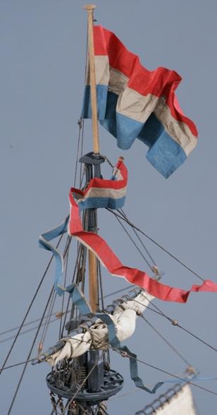 фотографии альбом Модели парусных кораблей от мастерской Верфь на столе PW7.jpg