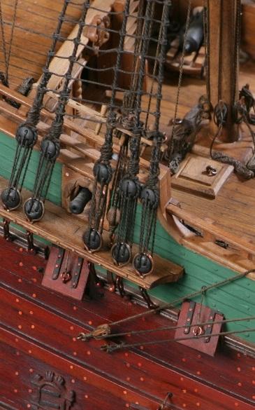 фото альбом Модели парусных кораблей от мастерской Верфь на столе Копия VT6N9726.jpg